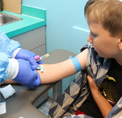 phlebotomist drawing blood