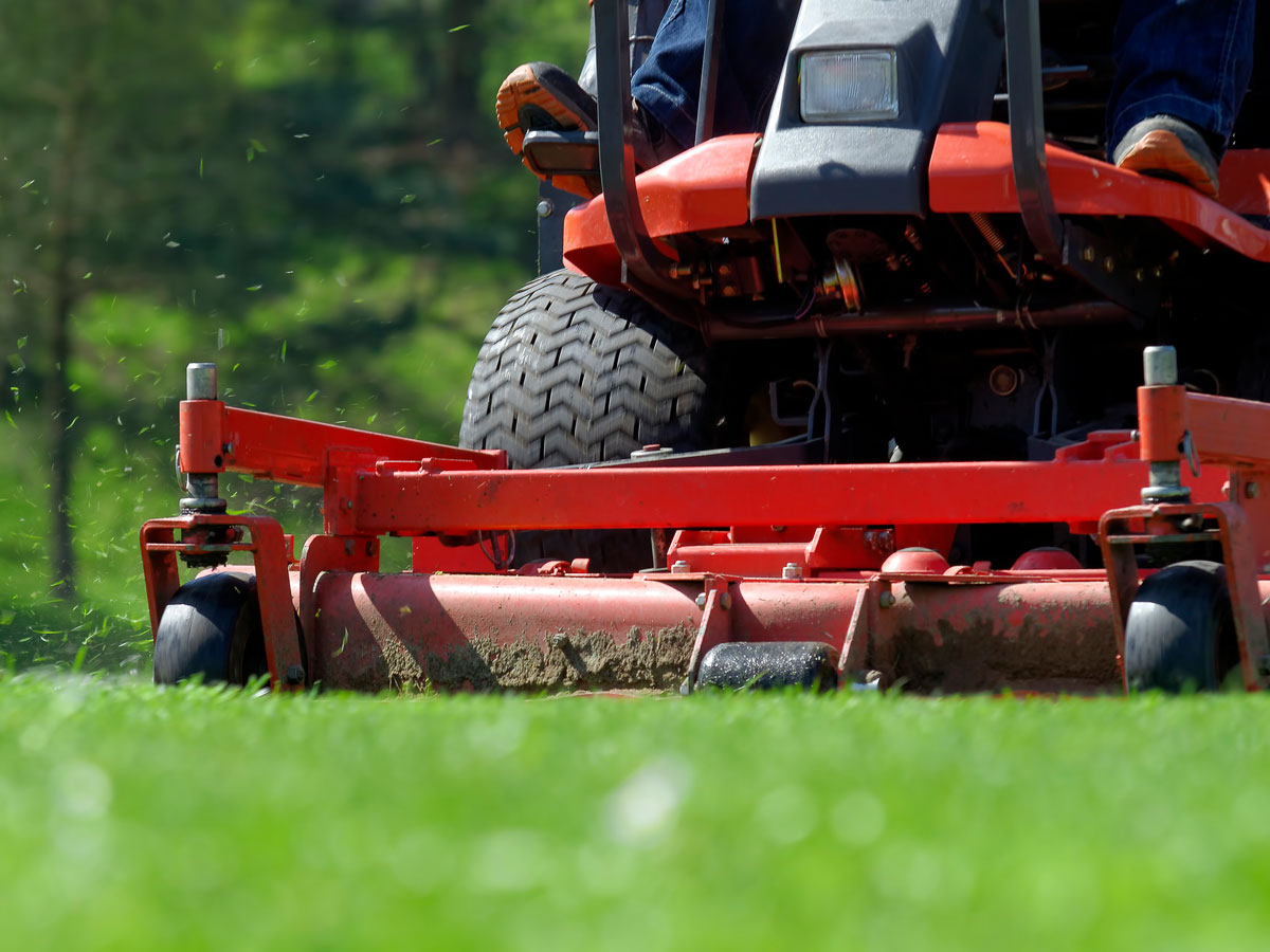 8 Tips to Prevent Lawnmower Injuries This Summer