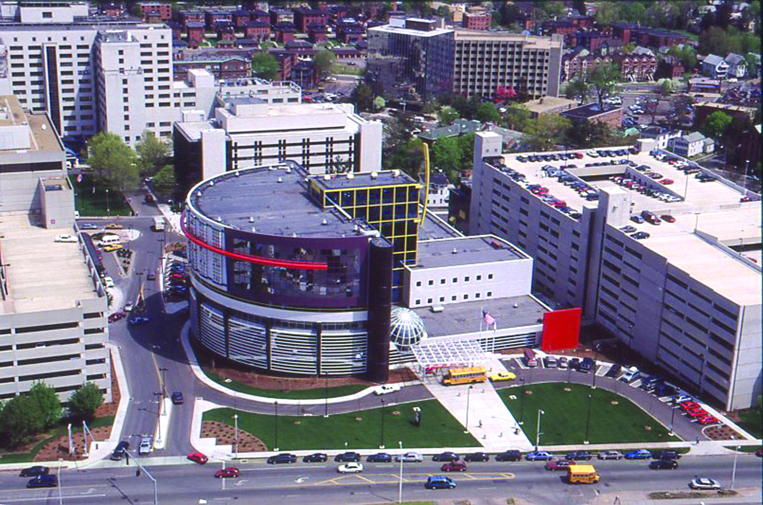 Aerial photo of Connecticut Children's Medical Center from 1996