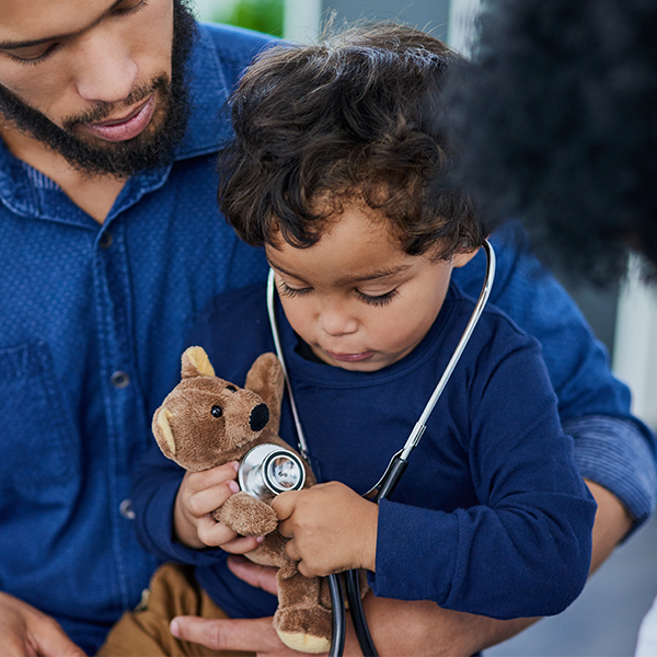Child brings stuffed animal as comfort item to doctor's visit